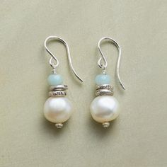 Discover the cool elegance of our handmade Serenity Pearl Earrings. Wire Jewelry, Jewelry Crafts, Gold Jewelry, Beaded Jewelry, Jewlery, Jewelry Bracelets, Diamond Jewellery, Driftwood Jewelry, Jewelry Drawer
