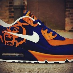 Exclusive sneakers with a splash of Flavor! by FlavorWorld Chicago Bears Shoes, Chicago Bears Man Cave, Chicago Bears Pictures, Nfl Shoes, Bears Football, Chicago Football, Football Stuff, Exclusive Sneakers, Nike Air Force Ones