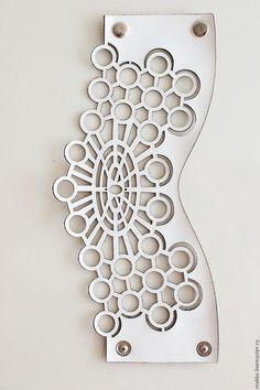 """Handmade leather bracelet / Браслет """"Белый атом"""" 1000133 - белый, манжеты, Браслет ручной работы, браслет из кожи"""