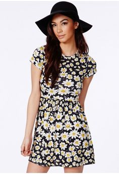 Missguided - Bahinta Daisy Skater Dress