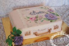 vintage suitcase - Cake by Victoria  Mkhitaryan Cakes&Desserts