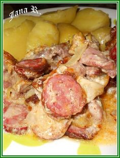 Hawaiian Pizza, Ham, Food And Drink, Pork, Chicken, Fine Dining, Meat, Cooking, Kale Stir Fry