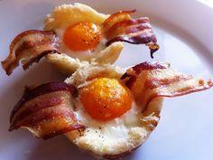 Ricette per il brunch -  Cestini con Uova, bacon e pane tostato