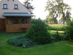 Zezadu od Nisy Cabin, House Styles, Plants, Home Decor, Decoration Home, Room Decor, Cabins, Cottage, Plant