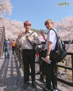 Wanna-One - Woojin and Jihoon - pink sausages! Miss U So Much, First Boyfriend, Cry A River, Kim Jaehwan, Ha Sungwoon, Child Actors, Seong, 3 In One, Produce 101