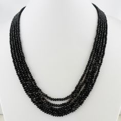 Natur Spinell Collier  Spinell-Perlen ca. 3 x 3 mm  Spinell aus Brasilien  5 Perlen-Reihen ca. 39 – 43,5 cm  177 Karat  Verstellbare Seidenbänder  Handgefertigt in Indien #JOY #Einzelstücke #Spinell #Collier #geflochten #handgefertigt #Einzelstück #spinel #Necklace #handmadejewelry #handmade #jewelry #spineljewelry #onlyone #Geschenk #Geschenkidee #gift #Fashion #Schmuck #schmuckliebe #außergewöhnlich #sehenswert #onlineshopping #indiandreams #Lifestyle Beaded Necklace, Necklaces, Pendant Necklace, Joy Shop, Elegant, Pendants, Gift Ideas, Band, Gifts