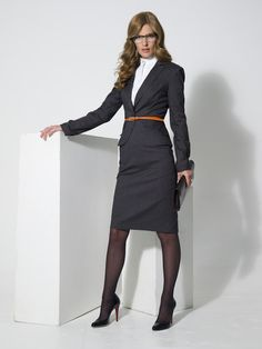 very business professional office style Business Outfits, Business Attire, Business Fashion, Business Chic, Business Professional, Professional Attire, In Pantyhose, Fashion Over 40, Office Fashion