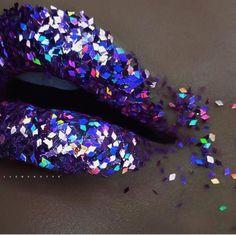 #sparkle #purplelipstick #glitter