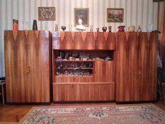 Keres-Kínál Hirdetések - Magyarország : ingyen elvihető 31.oldal Liquor Cabinet, Storage, Furniture, Home Decor, Homemade Home Decor, Larger, Home Furnishings, Decoration Home, Arredamento