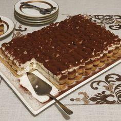 Φωτοσχόλιο από τον/τη Athina για τη συνταγή Τυραμισού κ-ο-λ-α-σ-η !!!!!! - Cookpad Greek Sweets, Greek Desserts, Mini Desserts, Easy Desserts, Delicious Desserts, Yummy Food, Sweets Recipes, Cookie Recipes, Candy Cakes