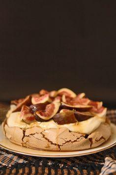Brown Sugar & Fig Pavlova