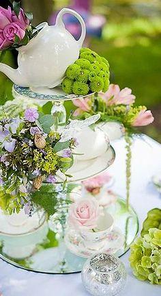 Modern Fairytale | Alice in Wonderland | Tea Party