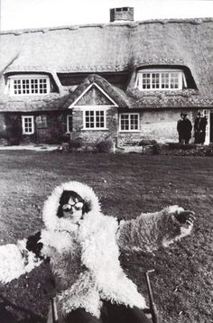 The Rolling Stones Keith Richards at his Redlands home in West Sussex, who lived next door to my Mother growing up! El Rock And Roll, Rock N, Rolling Stones Keith Richards, West Wittering, Rollin Stones, Anita Pallenberg, Ronnie Wood, Stone World, Charlie Watts