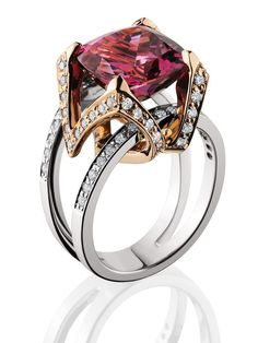 Ruby ring of mixed metals - White & Yellow Gold, Diamonds