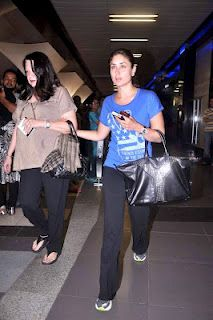 Kareena and Babita Kapoor's Photos outside Mumbai Airport. | Bollywood ...