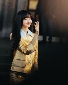 South Korean Girls, Korean Girl Groups, Blackpink Lisa, Lily, Singer, Photoshoot, Model, Beautiful, Prada