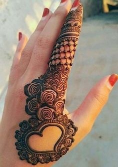 Explore latest Mehndi Designs images in 2019 on Happy Shappy. Mehendi design is also known as the heena design or henna patterns worldwide. We are here with the best mehndi designs images from worldwide. Simple Arabic Mehndi Designs, Indian Mehndi Designs, Mehndi Designs 2018, Modern Mehndi Designs, Mehndi Design Pictures, Beautiful Mehndi Design, Mehndi Designs For Hands, Henna Tattoo Designs, Wedding Mehndi Designs