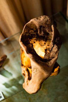 """Zurückgefordert, Holz-Skulptur """"Stamm"""" Lampe, Stamm gegraben und handgefertigt, neu gewonnenem Holz Tischleuchte, led-Lampe"""