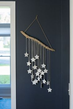 24 Wall Decor Ideas for Girls' Rooms DIY salt dough star wall art Wall Hanging Crafts, Boho Wall Hanging, Diy Hanging, Hanging Stars, Macrame Wall Hangings, String Wall Art, Nail String Art, Diy Wand, Mur Diy