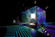 Jamie Lidell Controls A Stunning Projection Mapped Cube Using A Mic Stand - Creators Projection Installation, 3d Projection Mapping, Interactive Installation, Interactive Art, Desgin, Concert Stage Design, Instalation Art, 3d Video, Creators Project
