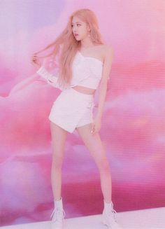 See scan photos from BLACKPINK Photobook Limited Edition and watch unboxing videos to see every details inside the photobook Blackpink Photos, Cover Photos, South Korean Girls, Korean Girl Groups, Rose Gold Chrome, Blackpink Fashion, Single Rose, Picture Credit, Kpop Outfits