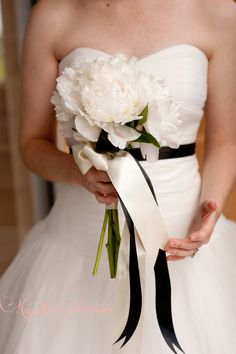 simple peony bouquet. image by Maggie Conley. www.hanafloraldesign.com