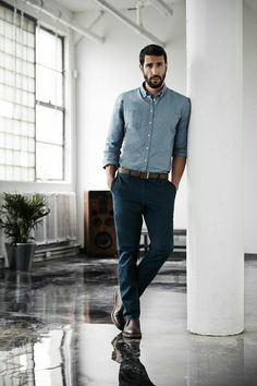 Business Casual Men - 31 Best Business Casual Attire for Men Business Casual Hombre, Business Casual Herren, Business Casual Attire For Men, Men Casual, Office Casual Men, Smart Casual, Casual Boots, Professional Attire, Professional Headshots