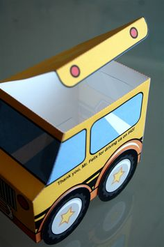 paper schoolbus boxes for the busdriver! sooo cute!