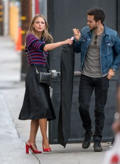 Melissa Benoist Photos - Melissa Benoist and Chris Wood are seen at 'Jimmy Kimmel Live' in Los Angeles, California. - Melissa Benoist at 'Jimmy Kimmel Live' Supergirl Superman, Supergirl 2015, Supergirl And Flash, Flash And Arrow, The Flash, Chris Wood, Series Dc, Kara And Mon El, Melissa Benoit