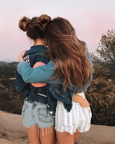 15 selfies for those days when you and your best friends bring the whole shot – girl photoshoot poses Best Friend Photos, Best Friend Goals, Best Friend Pictures Tumblr, Cute Tumblr Pictures, Friend Pics, Poses For Best Friends, Tumblr Ideas, Cute Friend Poses, Tumblr Picture Ideas