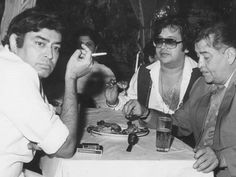 Once upon a time. Old Film Stars, Movie Stars, Very Nice Gif, Sanjeev Kumar, Vintage Vignettes, Film World, Vintage Bollywood, Indian Movies, Indian Celebrities