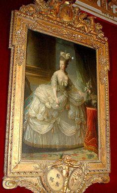 Queen Marie-Antoinette, Versailles  / Marie-Antoinette en grand habit de cour - Élisabeth Louise Vigée Le Brun, 1778