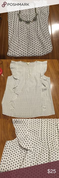 J.crew top J.crew sleeveless top. Runs big. Light wear. J. Crew Factory Tops Blouses