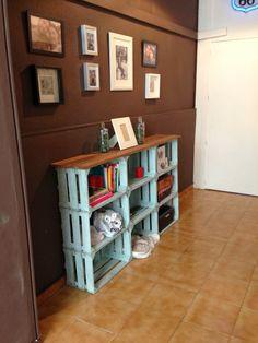 DIY recycled fruit box Cajas de fruta recicladas - Home Decor Ideas Shelves, Home Projects, Diy Furniture, Crate Shelves, Diy Home Decor, New Homes, Home Decor, Home Deco, Wooden Crate