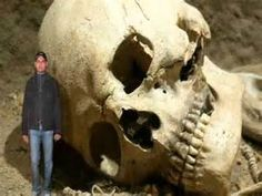 A giant mystery: 18 strange giant skeletons found in Wisconsin Aliens And Ufos, Ancient Aliens, Ancient History, Archaeological Discoveries, Archaeological Finds, Giant Skeletons Found, Human Giant, Nephilim Giants, Giant People