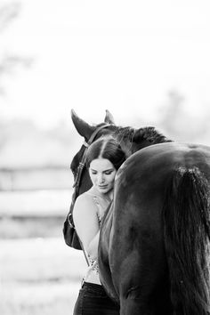 Beautiful natural lighting equine portrait with horse and rider sharing the love between a girl and her horse. Horse and Rider hugging. Beautiful equine portrait taken at sunset in the summer. Horse Girl Photography, Senior Portrait Photography, Summer Photography, Equine Photography, Photography Poses, Horse Senior Pictures, Pictures With Horses, Horse Photos, Horse Horse