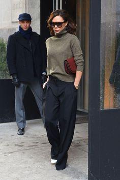 37 Ideas Fashion 2017 Winter Victoria Beckham Source by marinaglus fashion 2019 winter Mode Victoria Beckham, Victoria Beckham Outfits, Victoria Beckham Clothing, Victoria Beckham Fashion, Fashion 2017, Look Fashion, Fashion Outfits, Womens Fashion, Fashion Design