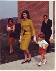 President Kennedy Photos: The Best of JFK: beatiful Jackie Kennedy photo October 1963