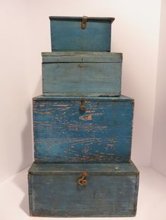 Primitive antique box for stacking, great old blue paint, aafa, nr