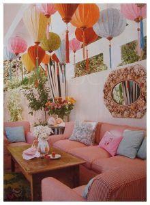 Sala de estar de inspiração romântica