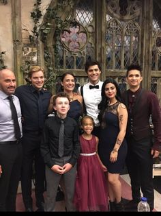 The Lightwoods - but where's Clary and Simon - Magnus is there Isabelle Lightwood, Jace Wayland, Alec Lightwood, Shadowhunters Malec, Shadowhunters The Mortal Instruments, Mortal Instruments Runes, Clace, Clary And Simon, Clary E Jace
