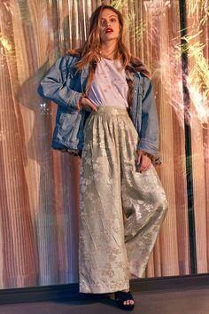 Slide View: 1: UO Delphine Floral Wide-Leg Pant