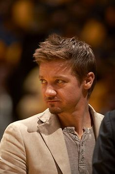 Jeremy Renner - ah, to have that gaze upon me...