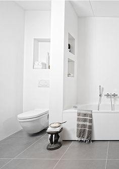 I could definitely paint the tile floor downstairs in large grey squares! love the grey + white Turkish towel - Design Dag & Nacht for bathroom - Daily Home Decorations Bathroom Bath, Family Bathroom, Bathroom Toilets, Bathroom Renos, Laundry In Bathroom, Bathroom Interior, Modern Bathroom, Small Bathroom, White Bathrooms