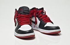 Air Jordan I Retro Black Toe Laser - Michael Jordan's lasered signature on the inner left ankle