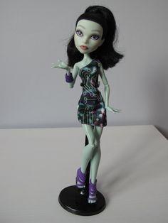 Monster High OOAK repainted doll scarah screams by EveryDollsDream