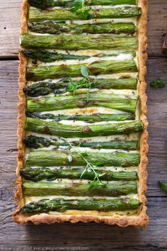 Tart With Asparagus Asparagus Tart, Quiche, Recipies, Goodies, Food And Drink, Vegan, Baking, Dinner, Vegetables