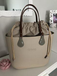 Black Style, Michael Kors Jet Set, Wallets, Fashion Shoes, Autumn Fashion, Handbags, Tote Bag, Purses, Stuff To Buy