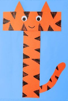 Letter T Activities, Preschool Letter Crafts, Alphabet Letter Crafts, Abc Crafts, Daycare Crafts, Preschool Activities, Kids Crafts, Letter Tracing, Kindergarten Crafts