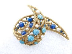 Capri brooch textured gold tone blue art glass by MeyankeeGliterz